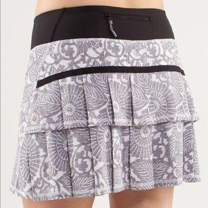 lululemon athletica Skirts - Lululemon Beachy Floral White Fossil Black